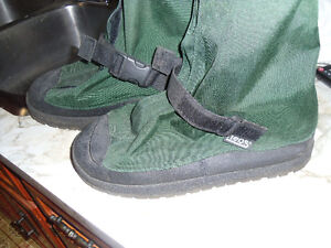 Mens size Large over boots