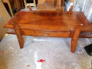 Coffee table & end table with glass top