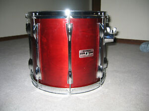 "Wanted 12"" Tom , Yamaha Recording custom in Cherry red finish"