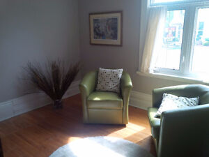 Intimate and calming small coaching and meeting room