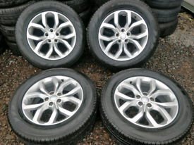 """MINT CONDITION 19"""" x 4 Range Rover Evoque Alloy Wheels. (Discovery )"""