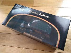 1/18 Car Model: Mercedes-Benz ML-Class