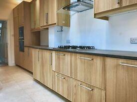 4 bedroom house in Oxford Road, Enfield, EN3