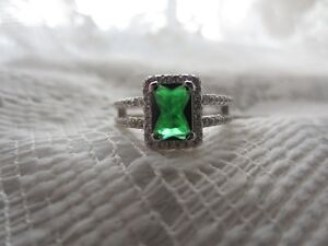 STERLING SILVER LAB EMERALD RING