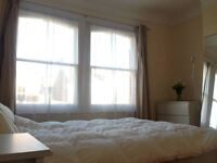 Large Sunny Double Room in Peaceful Wimbledon