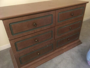 Chest of drawers with matching blanket or toy box