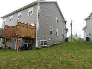4 yr old 3 bed, 4 bath plus a garage!! Exit 8 Elmsdale/Enfield