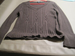 10 Ladies Sweaters Cornwall Ontario image 4