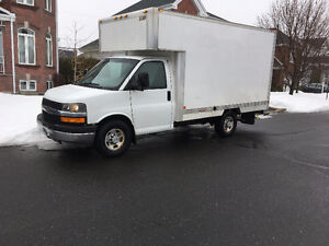 2008 Chevrolet Express 3500 cube 12 pieds Fourgonnette, fourgon