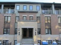 2 BED + DEN, 2 BATH CONDO CLOSE TO EVERYTHING BARRHAVEN