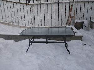 Umbrella buy or sell patio garden furniture in calgary for Outdoor furniture kijiji