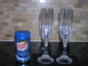 New Unused Two Cut Chrystal Champagne Glasses Flutes
