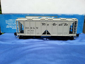 Atlas O scale 3 rail freight cars. San Juan 2 rail boxcar kits