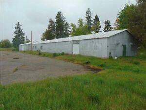 Previously used as a golf course! Large bldg. & 26.32 hectares!