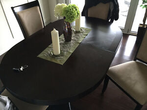 dinning room table 4 chairs