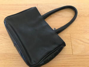 ROOTS small purse
