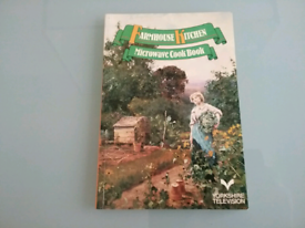 Farmhouse Kitchen Microwave Cook Book paperback