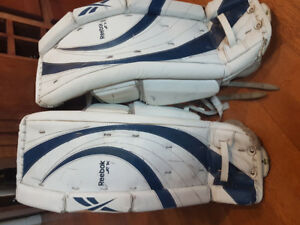 "YOUTH GOALIE PADS REEBOK  28"" + 1"