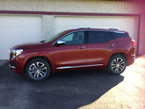 Almost new, fully loaded, sporty SUV