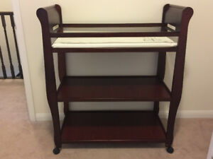 Graco Sarah Change Table in Cherry