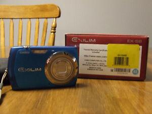 Casio Exilim EX-S8 Digital Camera