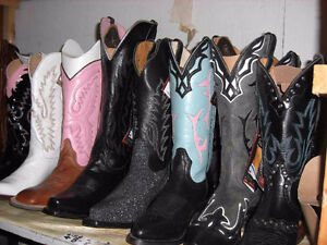 Womens Cowboy Boots - Many styles and sizes