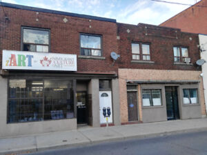 600 sq.f.Office-storefront for rent on busy BArton street
