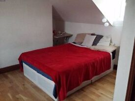 B DOUBLE ROOM 190£PW 3' FROM THE WILLESDEN STATION