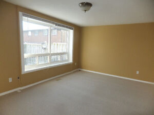 31-235 Ferguson Ave, Cambridge - 3 Bed Town $1195 Cambridge Kitchener Area image 2
