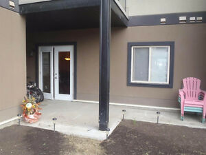 SPRUCE GROVE CONDO – AVAILABLE IMMEDIATELY