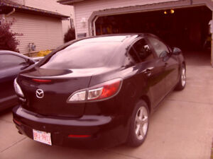 2013 MAZDA 3 for sale     REDUCED!!  REDUCED!!  REDUCED!!