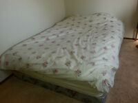 Queen size mattress with Box!!!!!