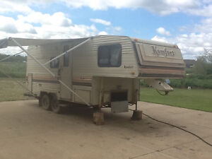 Komfort Lite fifth wheel ( best offer takes it )