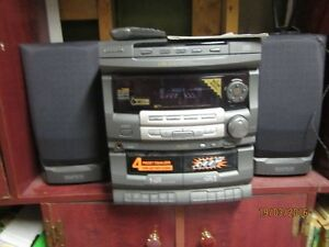 Stereo 3 cd disc changer, recorder to tapes-Tape to tape Kingston Kingston Area image 2