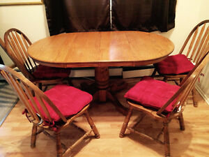 Dinette table with chairs