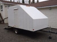 Enclosed snowmobile / ATV trailer