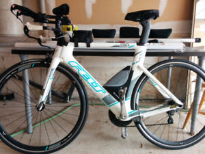 Felt 54 cm triathlon bike