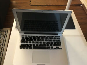 "MAC BOOK Air 2015 13"" Rarely Used!!!!!"