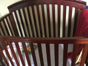 baby crib  - extendable to toddler up to 5 years old bed