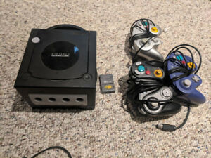 Gamecube, 3 controllers + games