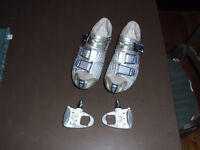 Shimano carbon road shoes 42 E 8.5 / 9 US souliers pedals cleats