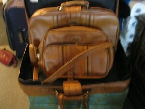 3 piece Brown luggage NHand Bags