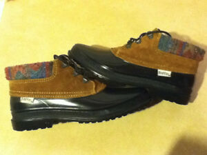 Women's Baffin Winter Shoes Size 9