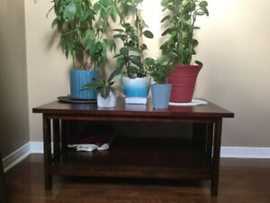 Coffee table for sale 27 x 43