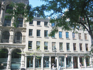 * * Executive office space available in Old Montreal * *