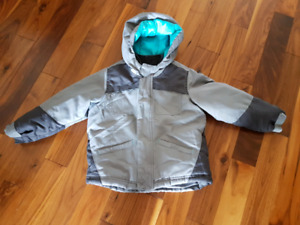 Boys 5T - 3 in 1 winter jacket - fits more like a 4T