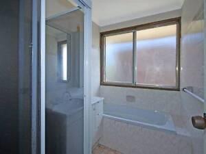 Spa bath & pump Engadine Sutherland Area Preview