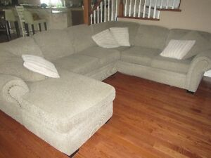 Excellent Condition Sectional in Cochrane