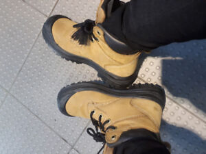 Leather safety and hiking boots