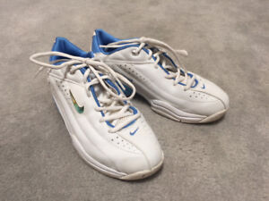 Nike Woman's court shoes